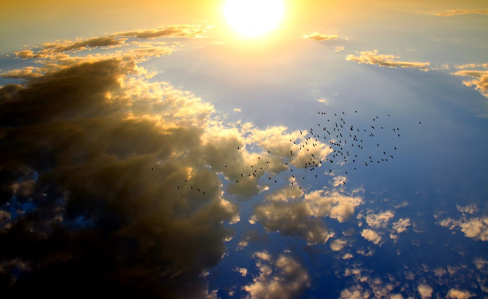 Rezultat slika za oblak sa kišom i suncem